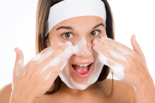 Как мыть глаза с наращенными ресницами