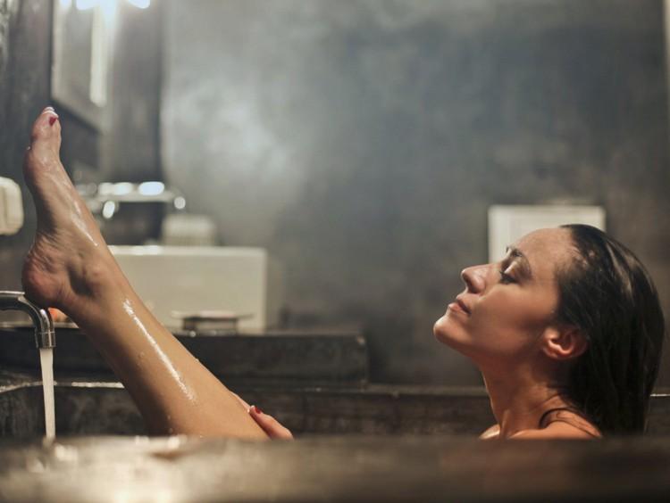 Девушка и вода